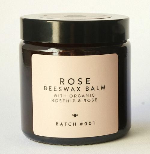 BATCH #001 Organický balzám z včelího vosku s růží 120 ml s bambusovým ručníkem BATCH #001