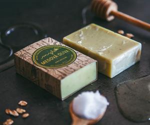 Mylo Peelingové mýdlo s medem, vanilkou, ovesnými vločkami a olivovými peckami