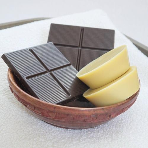Kakaová masážní kostka Ponio