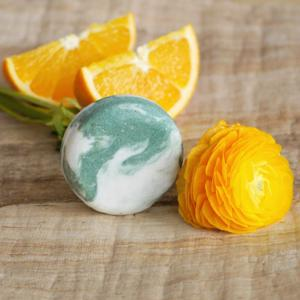 Ponio Tuhý šampon kopřivový – Pomeranč a eukalyptus 30 g