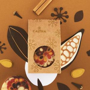 CALTHA CALTHA Slavnostní tuhé mýdlo Hřebíček, skořice a mandlový olej