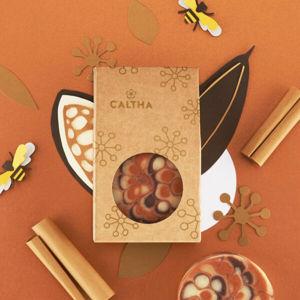 CALTHA CALTHA Slavnostní tuhé mýdlo Skořice a med