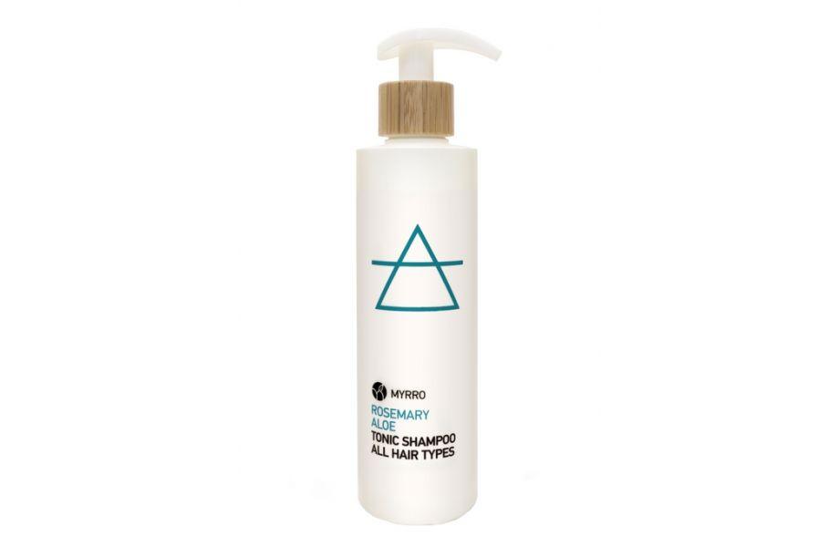 Tuhý versus tekutý šampon