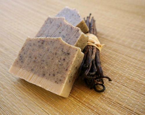 Vanilkové peelingové mýdlo Ponio